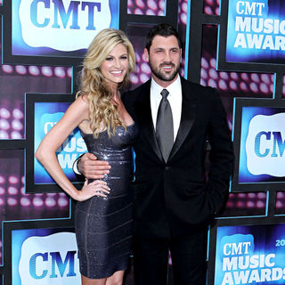Erin Andrews, Maksim Chmerkovskiy in 2010 CMT Music Awards Blue Carpet Arrivals