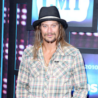 Kid Rock in 2010 CMT Music Awards Blue Carpet Arrivals