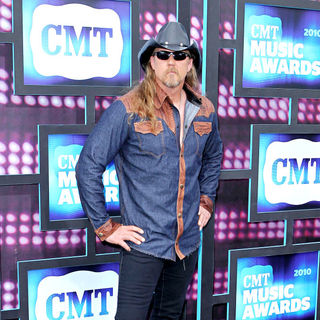 Trace Adkins in 2010 CMT Music Awards Blue Carpet Arrivals