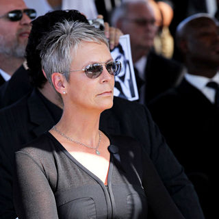 Jamie Lee Curtis in The Funeral for Actor Tony Curtis - Curtis_9008_wenn5551528