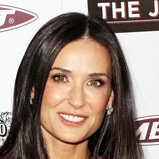 Demi Moore in Los Angeles Premiere of 'The Joneses'