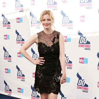 Gillian Jacobs in 2010 VH1 Do Something Awards