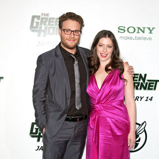 "Seth Rogen, Lauren Miller in Premiere of Columbia Pictures ""The Green Hornet"" - Arrivals"