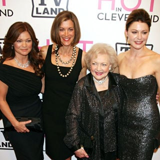 Valerie Bertinelli, Wendie Malick, Betty White, Jane Leeves in The 'Hot in Cleveland' Premiere