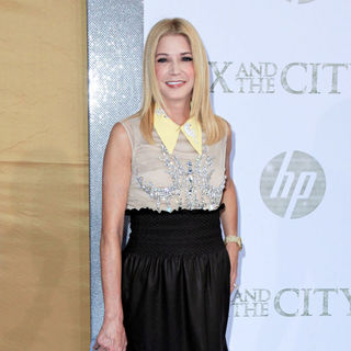 Candace Bushnell in World Premiere of 'Sex and the City 2' - Arrivals