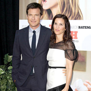 Jason Bateman, Amanda Anka in The Los Angeles Movie Premiere of 'The Switch'