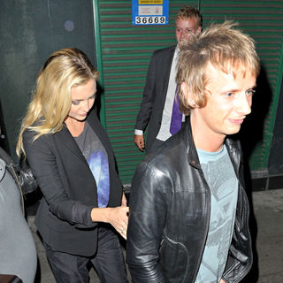 Kate Hudson, Matthew Bellamy in Kate Hudson and Matthew Bellamy Outsite The Ivy Restaurant and Heads to The Groucho Club