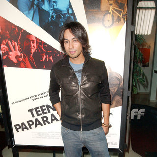 Vik Sahay in Los Angeles Premiere of HBO's 'Teenage Paparazzo' - Arrivals - Paparazzo_028_wenn3014137