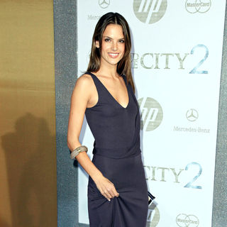 Alessandra Ambrosio in World Premiere of 'Sex and the City 2' - Arrivals
