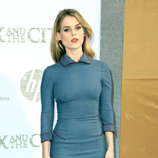 Alice Eve in World Premiere of 'Sex and the City 2' - Arrivals