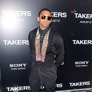 Chris Brown in Los Angeles Premiere of 'Takers' - Arrivals