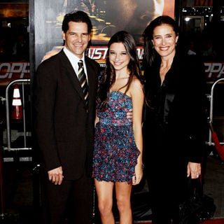 "Mimi Rogers, Lucy Julia Rogers-Ciaffa in Los Angeles Premiere Of ""Unstoppable"""