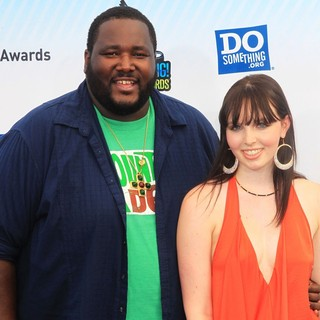 Quinton Aaron in The DoSomething.org and VH1's 2012 Do Something Awards - aaron-michaela-2012-do-something-awards-01