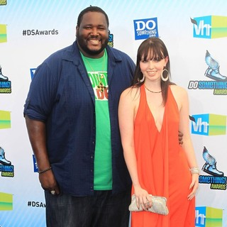 Quinton Aaron in The DoSomething.org and VH1's 2012 Do Something Awards - aaron-michaela-2012-do-something-awards-02
