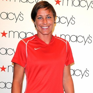 Abby Wambach in The U.S. Women's National Soccer Team Appears at Macy's Town Center Mall