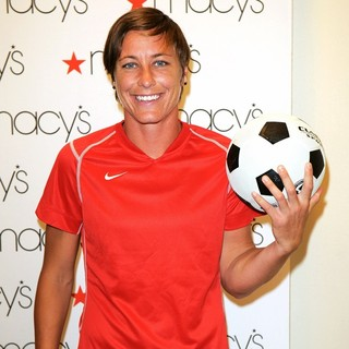 Abby Wambach in The U.S. Women's National Soccer Team Appears at Macy's Town Center Mall - abby-wambach-at-macy-s-town-center-mall-03