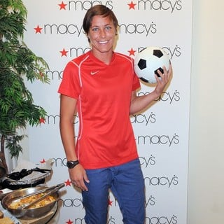 Abby Wambach in The U.S. Women's National Soccer Team Appears at Macy's Town Center Mall - abby-wambach-at-macy-s-town-center-mall-04