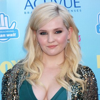 Abigail Breslin in 2013 Teen Choice Awards