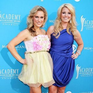 Bomshel in The 45th Annual Academy of Country Music Awards
