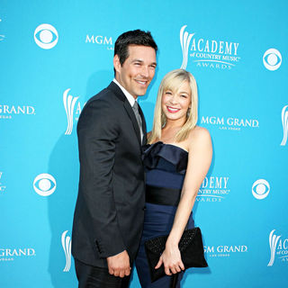 Eddie Cibrian, LeAnn Rimes in The 45th Annual Academy of Country Music Awards