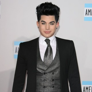 Adam Lambert in 2011 American Music Awards - Arrivals