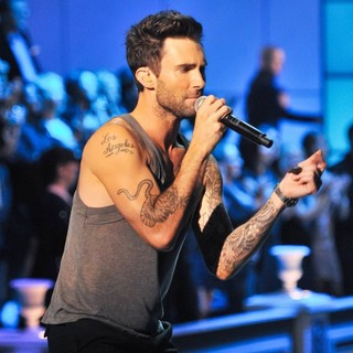 Adam Levine, Maroon 5 in 2011 Victoria's Secret Fashion Show - Performance