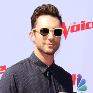 Adam Levine - The Voice Karaoke for Charity
