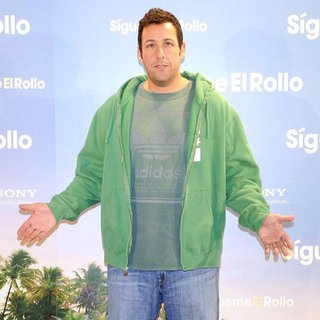 Adam Sandler in Just Go with It - Sigueme el rollo - Photocall