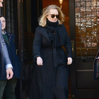 Adele - Adele Outside Her Hotel