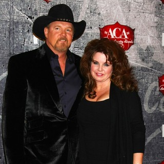 Trace Adkins, Rhonda Forlaw in 2012 American Country Awards - Arrivals
