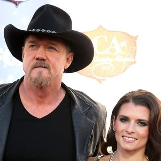 Trace Adkins, Danica Patrick in 2013 American Country Awards - Arrivals