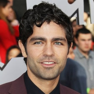 Adrian Grenier in MTV Movie Awards 2014 - Arrivals - adrian-grenier-mtv-movie-awards-2014-01