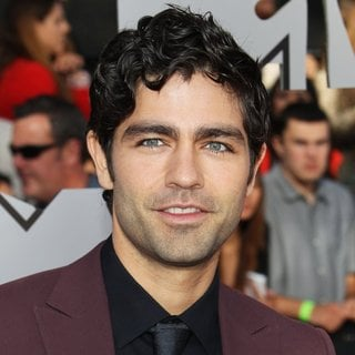 Adrian Grenier in MTV Movie Awards 2014 - Arrivals - adrian-grenier-mtv-movie-awards-2014-02