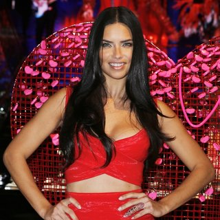 Adriana Lima - Adriana Lima Shares Her Gift Picks and Tips for Valentine's Day