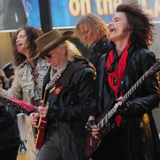 Steven Tyler, Brad Whitford, Tom Hamilton, Joe Perry, Aerosmith in Aerosmith Performing Live During The Today Show Concert Series
