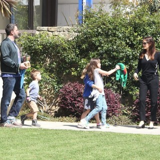 Ben Affleck, Jennifer Garner-Jennifer Garner and Ben Affleck and Their Children Leaving Church Together
