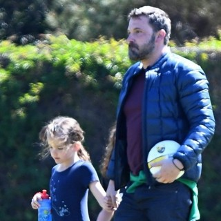 Ben Affleck - Ben Affleck Goes to Soccer Practice with His Daughter