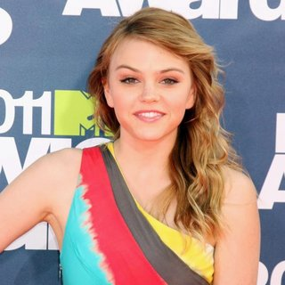 Aimee Teegarden in 2011 MTV Movie Awards - Arrivals
