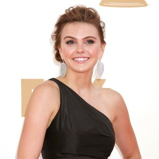 Aimee Teegarden in The 63rd Primetime Emmy Awards - Arrivals - aimee-teegarden-63rd-primetime-emmy-awards-02