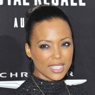 Aisha Tyler in Los Angeles Premiere of Total Recall