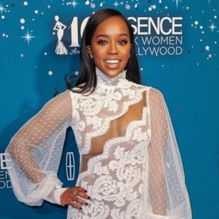 Essence 10th Annual Black Women in Hollywood Awards Gala - Arrivals