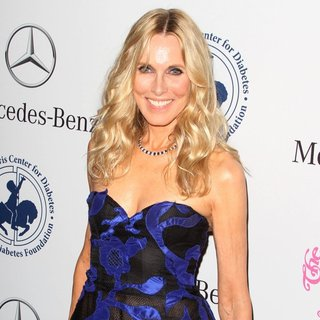 Alana Stewart in 2014 Carousel of Hope Ball Presented by Mercedes-Benz - Arrivals