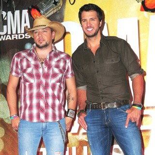 Jason Aldean, Luke Bryan in 46th Annual CMA Awards Nominations
