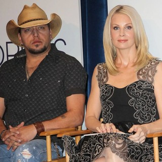 Jason Aldean, Monica Potter in The 2013 People's Choice Awards Nominee Announcements