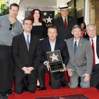 Stephen Baldwin, Alec Baldwin, Megan Mullally, Eric Garcetti, Tom LaBonge, Leron Gubler in Alec Baldwin Hollywood Walk of Fame Induction Ceremony
