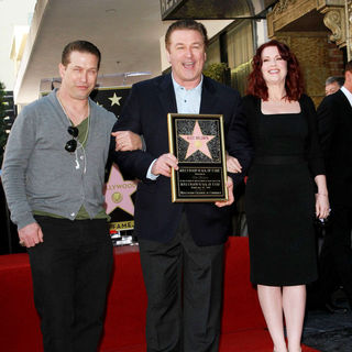 Stephen Baldwin, Alec Baldwin, Megan Mullally in Alec Baldwin Hollywood Walk of Fame Induction Ceremony