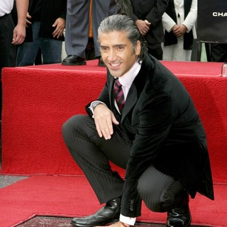 Alejandro Fernandez Honoured with Star on The Hollywood Walk of Fame