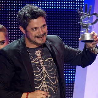 Alejandro Sanz in The 2013 40 Principales Awards - Show