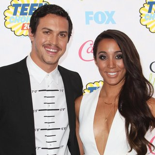Alex and Sierra - Teen Choice Awards 2014 - Arrivals