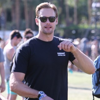 Alexander Skarsgard in The 2013 Coachella Valley Music and Arts Festival - Week 1 Day 2 - alexander-skarsgard-2013-coachella-valley-music-and-arts-festival-02
